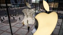 Apple-Goldman Credit Card Poses Risks, May 'Blow Up,'Analyst Says