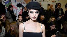 Cara Delevingne 霸氣現身 Dior 時裝騷,示範最流行的時尚飾物:腹肌