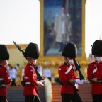 Thousands pay tribute to Thai royals amid calls for reform