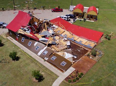 Tornados y tormentas dejan 11 muertos en el sur de EEUU