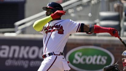 Wild-card updates: Braves finish off sweep of Reds