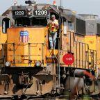 Union Pacific railroad's 1Q profit climbs 22 percent