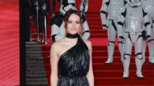 Daisy Ridley is a star washer