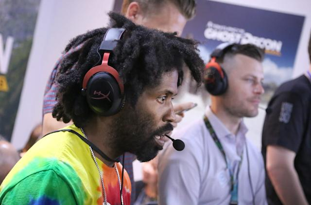 Watch as Murs livestreams a world record 24-hour rap session