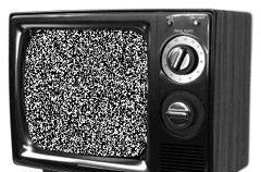 UK sets analog TV cutoff for October 2012, finally sees a show after US viewers