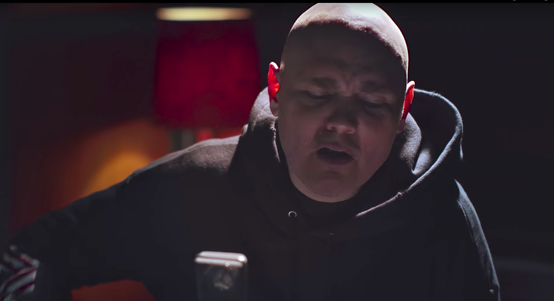 watch william patrick corgan�s intense cover of miley