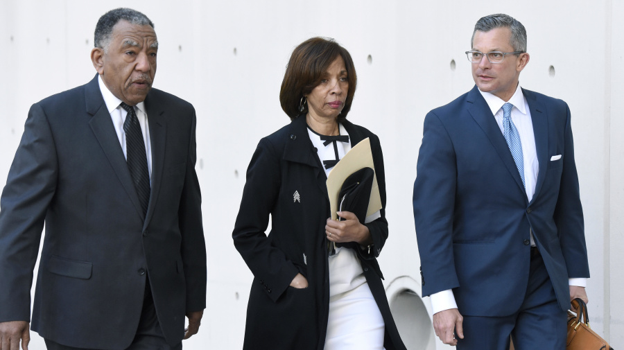 Ex-Baltimore mayor gets 3 years for book scheme