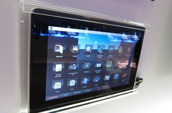 Toshiba's Folio 100 with Android and Tegra 2 spied in the IFA wilds