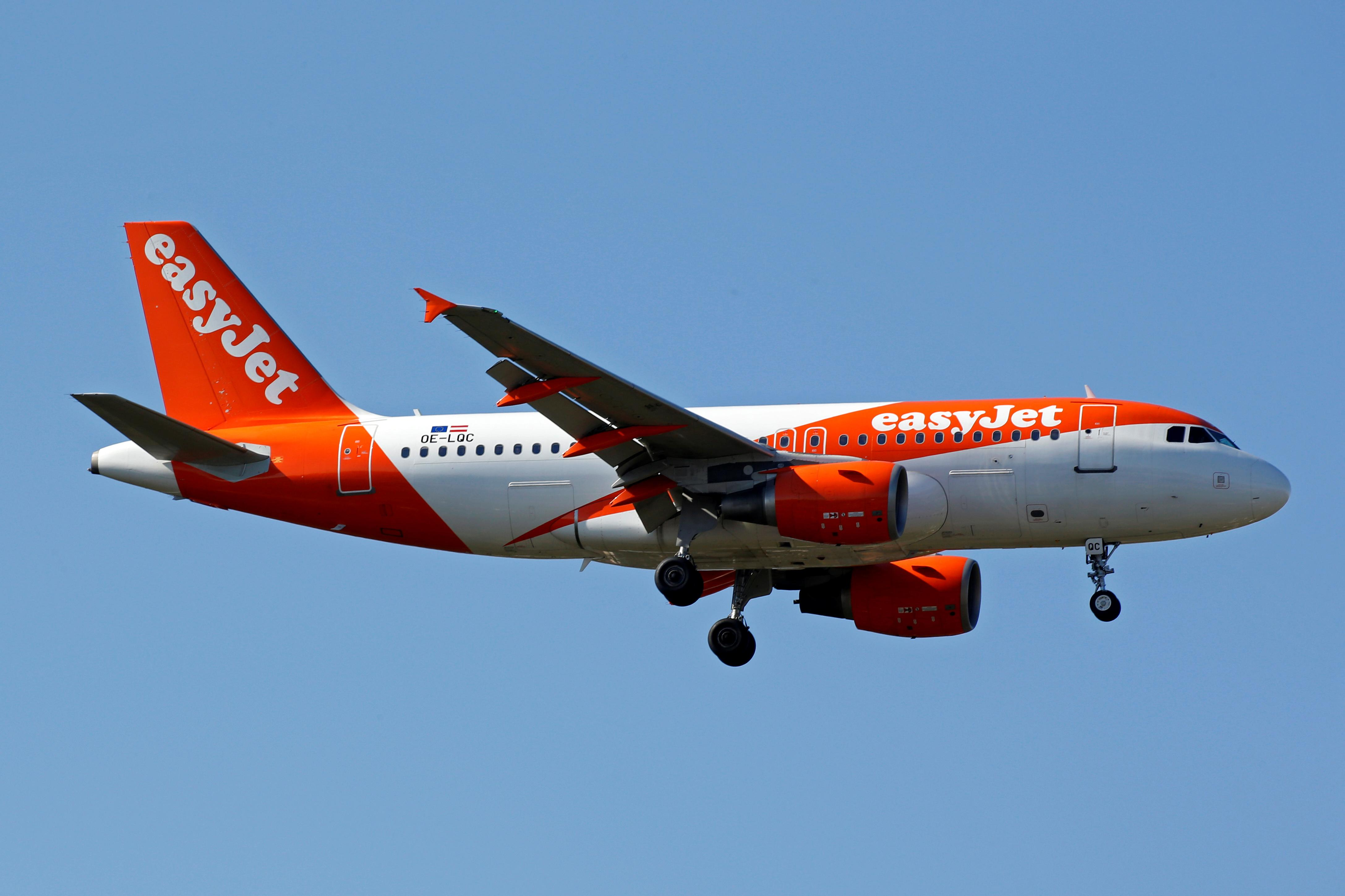 EasyJet buys Thomas Cook's airport slots for £36m