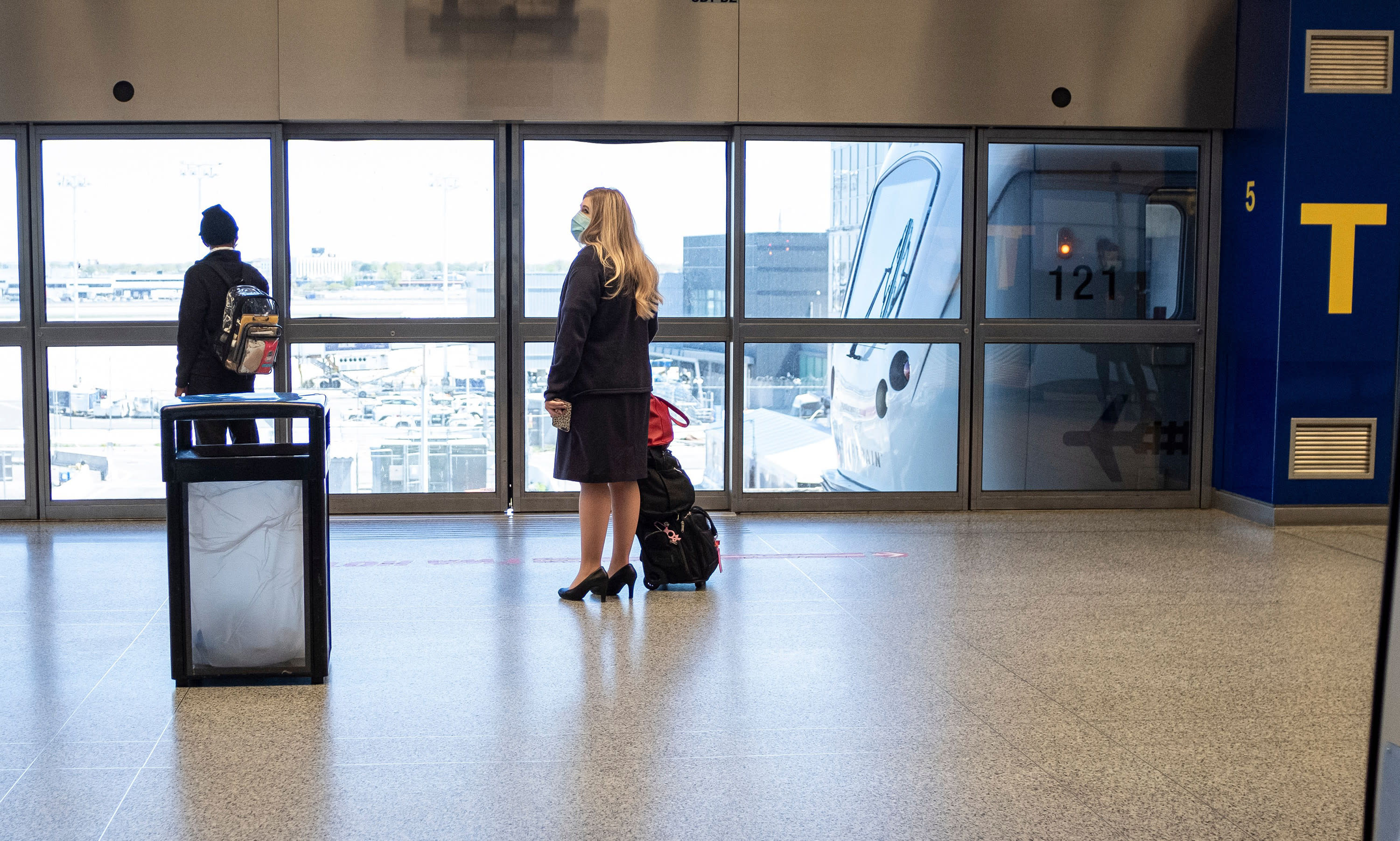 NY airports to enforce quarantine for travelers from COVID hot spots