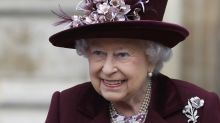 What are the Queen's fashion rules?