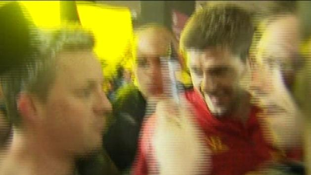 Liverpool mobbed by fans in Melbourne