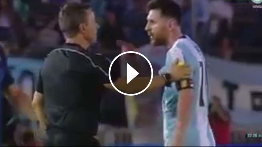 VIDEO: ¡Le dijo de todo! Messi se la agarró con el línea y le negó el saludo
