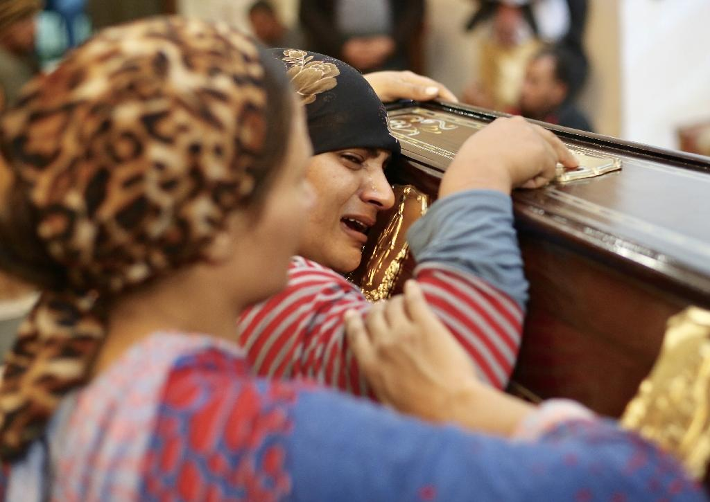 Egyptian mourners attend the funeral of Anglican Assad Labib, 35, at a church in Sawaada village near Minya city early on November 3, 2018 (AFP Photo/STR)