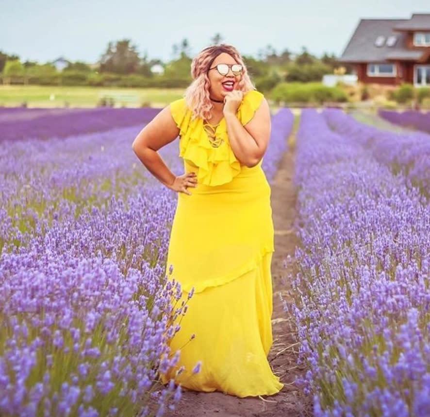 body positive instagram celebrating plus size travelers