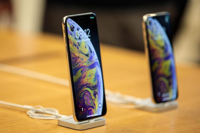 Apple urges Trump not to impose tariffs on iPhones amid China trade war