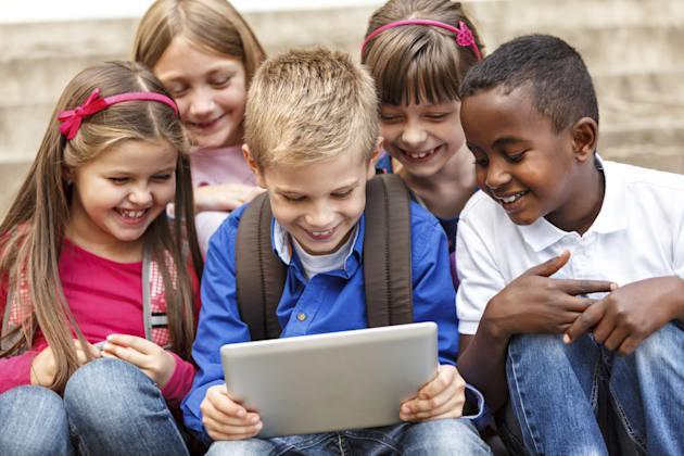 Parents groups take concerns about YouTube Kids to the FTC