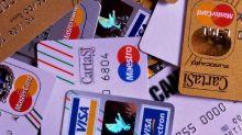 Pagamenti online, rivoluzione per i possessori di carte di credito