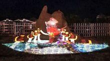 福隆沙雕首創3D光雕秀!夜間展現金色閃耀