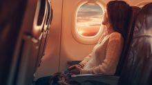 Wem gehört welche Armlehne im Flugzeug? Das Netz ist geteilter Meinung