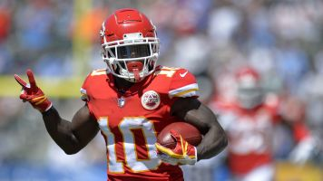 Now should Chiefs give Tyreek Hill an extension?
