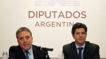 Oficialismo argentino elimina de proyecto presupuesto artículo que flexibilizaba operaciones de deuda