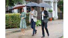 William, Kate y Harry visitan jardín en homenaje a Lady Di