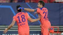 Giroud scores four as Chelsea thrash Sevilla to top group