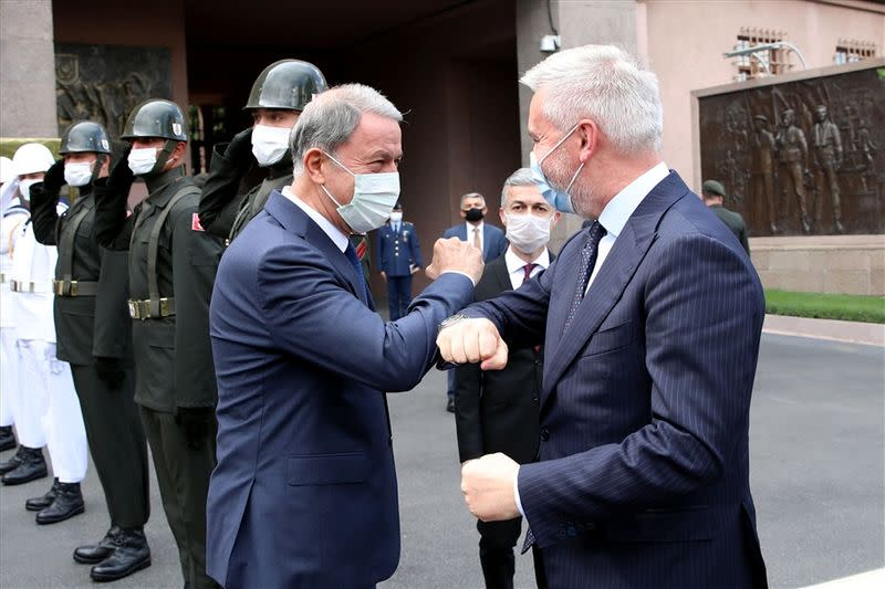 Turkish Defence Minister Akar meets with his Italian counterpart Guerini?in Ankara
