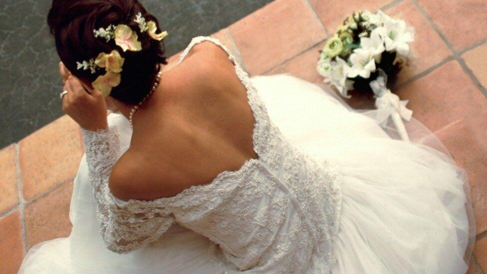 Infertile bride receives pregnancy tests as wedding present