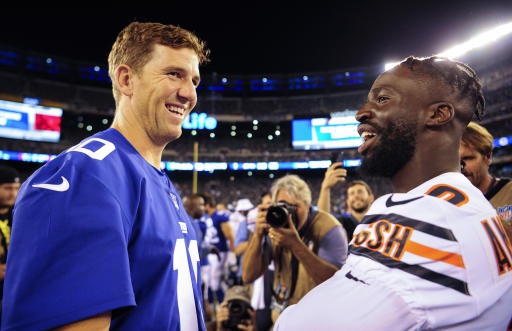 Manning and Jones throw TDs to lead Giants over Bears
