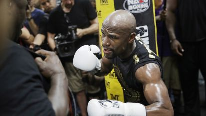 Mayweather's biggest bet keeps paying off