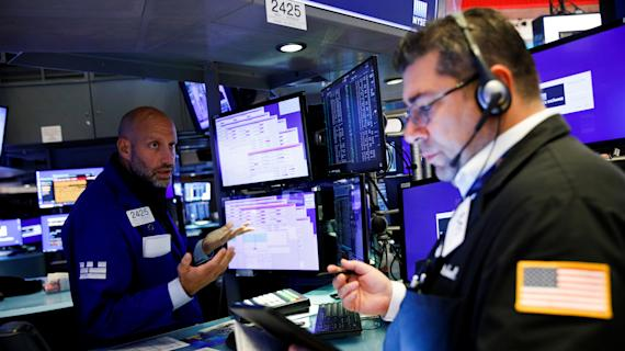 Stocks mixed as investors weigh inflation concerns, earnings optimism