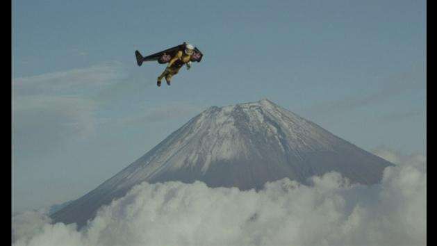 Jetman Yves Rossy flies over Japan's Mount Fuji