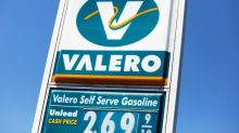 Employees worried about Valero response to virus cases at Texas refinery: sources