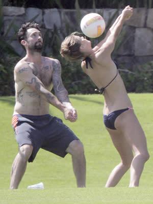 Adam Levine And Nina Agdal A Celebrity Match Made In Ab Heaven