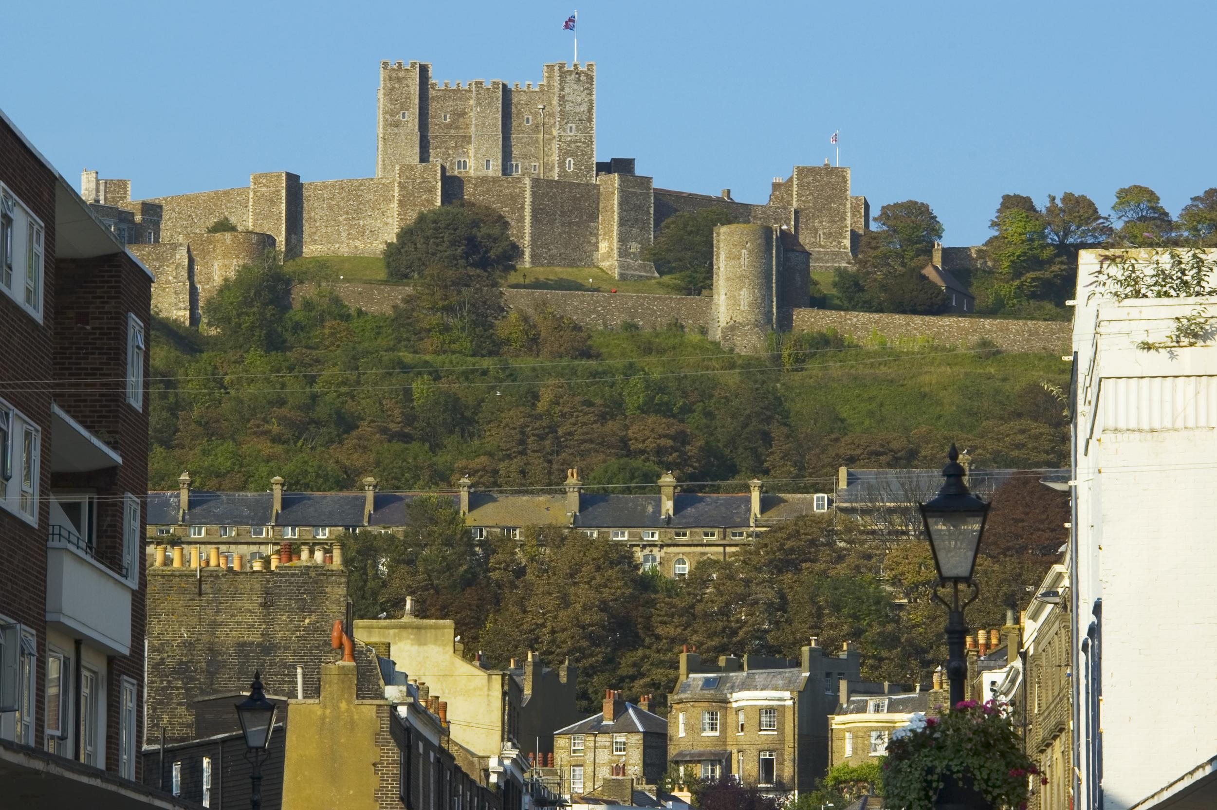 """The <a href=""""http://www.aol.co.uk/travel/2017/07/02/dover-worst-place-to-live-uk/"""" target=""""_blank"""">least favourite town to live in England</a> has been revealed by <a href=""""http://www.ilivehere.co.uk/"""" target=""""_blank"""">ilivehere.co.uk</a>, with the winner being praised for its """"chavley splendor"""". Other places to make the top ten list were described as the """"toilet of England,"""" an """"excremental town"""" and """"literally hell on earth"""". Browse the best of Britain's 'crap' towns..."""
