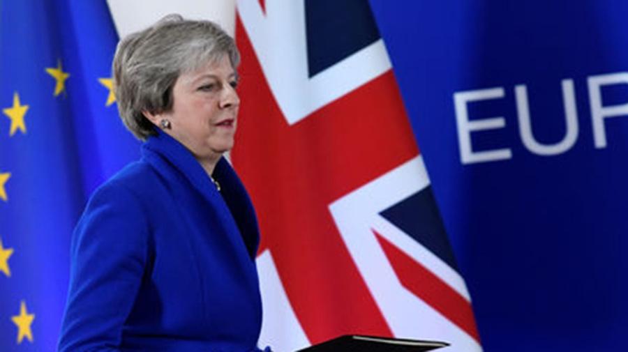 """May aplaza la votación del """"brexit"""""""