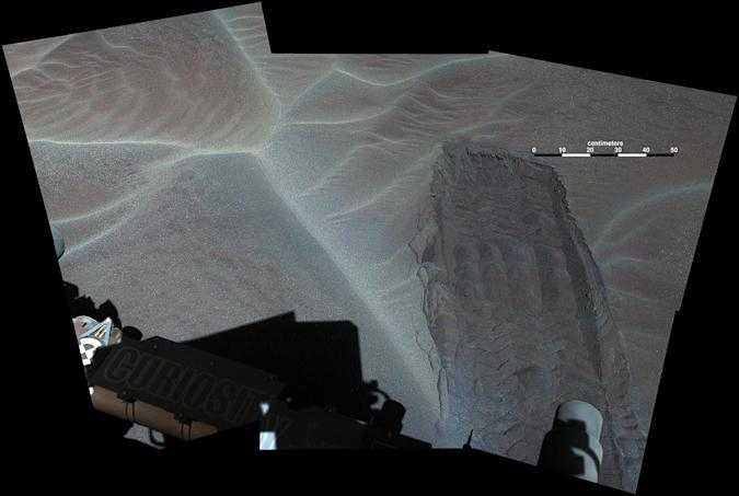 Curiosity rover snaps a detailed look at sand dunes on Mars