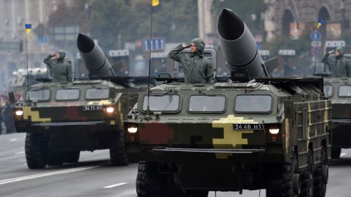Ukraine marks 25th independence day with show of force