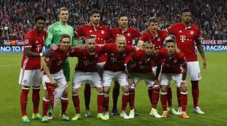 Bayern Munich team group before the match