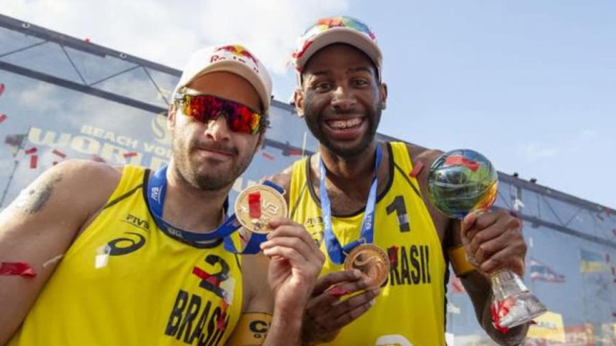 Campeão Olímpico Bruno Schmidt volta para casa após ser internado por complicações da Covid-19