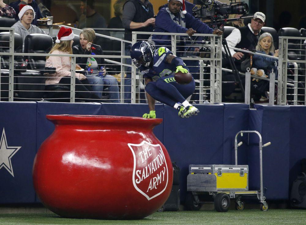 Justin Coleman took advantage of Dak Prescott's giving spirit on Sunday. (AP)