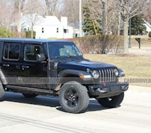 See Spy Photos of the Jeep Wrangler Plug-In Hybrid