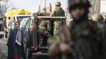 Kashmir rebels kill 2 Indian soldiers in region's main city