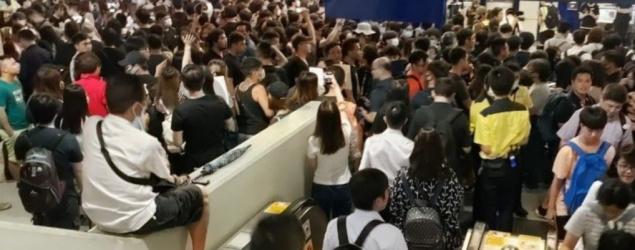 近千市民元朗站靜坐