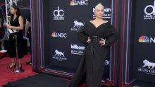 Christina Aguilera fue vestida por su enemigo