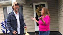 Matthew McConaughey spends his birthday giving out Thanksgiving turkeys