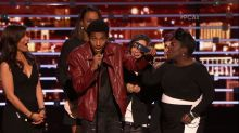 Speech Crasher and Camera Gaffe on 'People's Choice Awards'