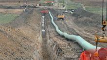 Judge orders delay amid debate over Dakota Access pipeline